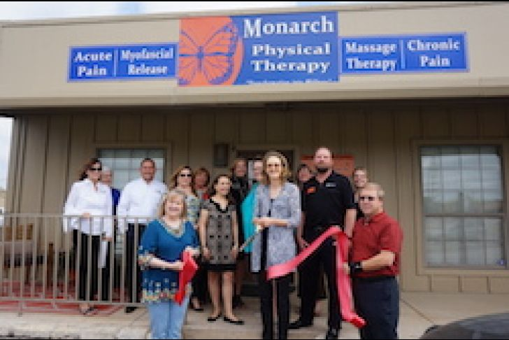 Monarch Physical Therapy Ribbon Cutting