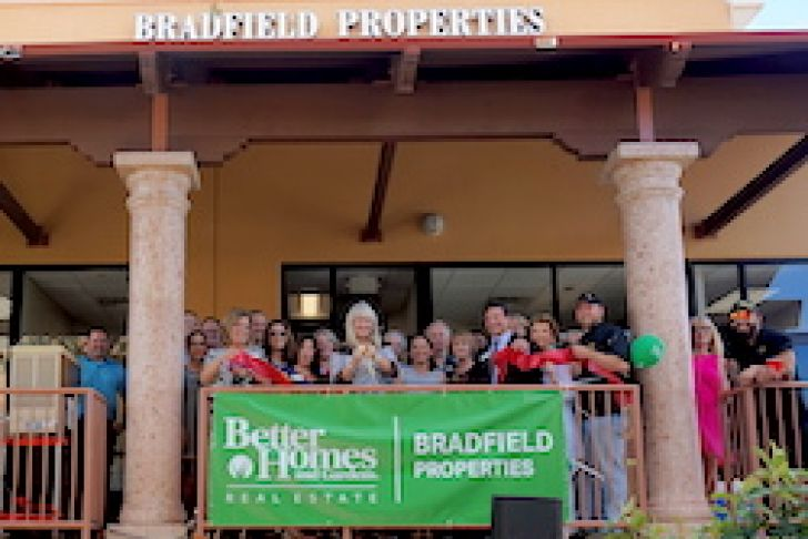 Better Homes and Gardens Real Estate - Bradfield Properties Ribbon Cutting