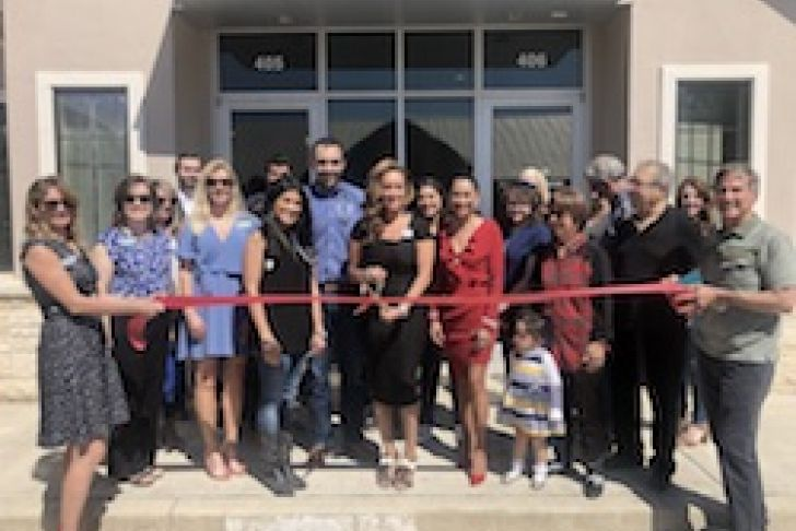HealthChoice Medical Group Ribbon Cutting Photo