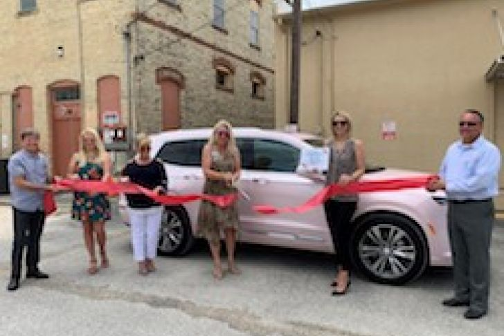 Kathy Bullard, Independent Senior Sales Director with Mary Kay Ribbon Cutting Photo